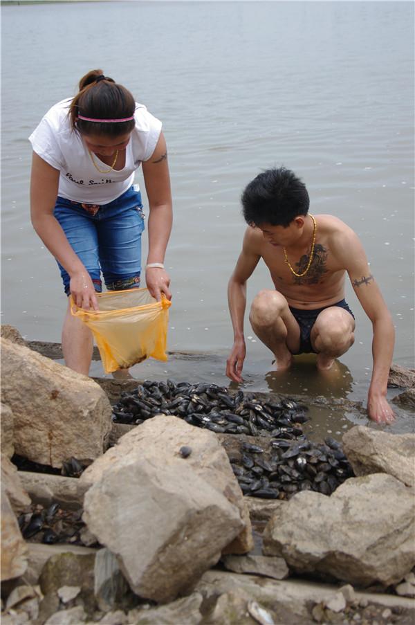 嬉水嫩江河畔